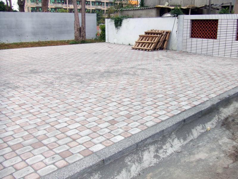 台南縣文賢國中校園排水改善工程