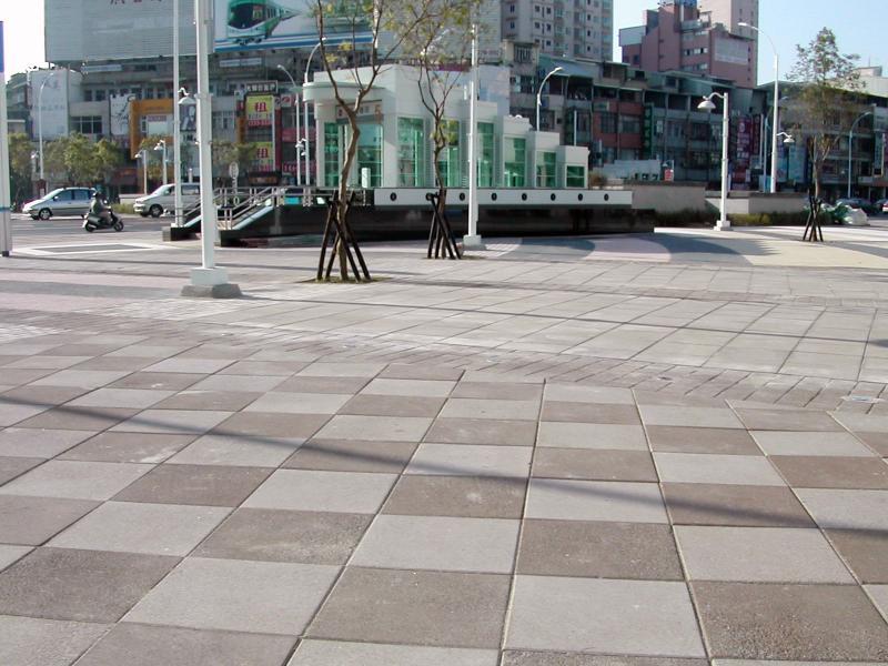 高捷CR3區段標R8車站美麗島大道工程