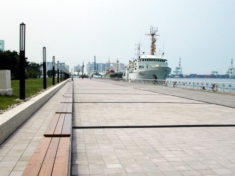 高雄港區13-15號碼頭